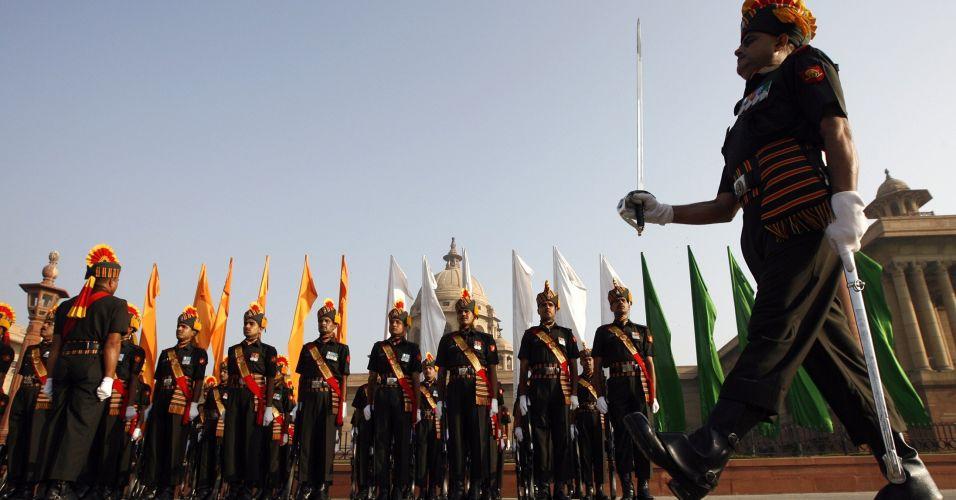 Troca de guarda na Índia