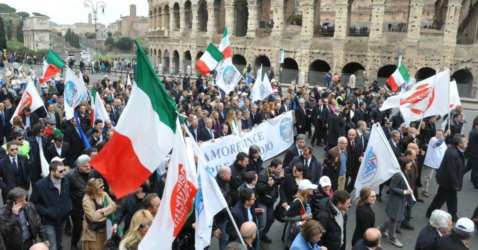 Manifestação pró-Berlusconi