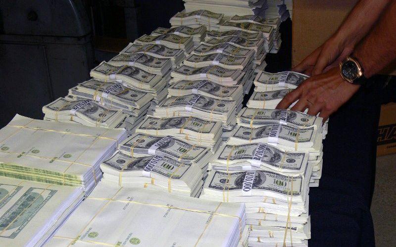 US$ 4 milhões em notas falsas