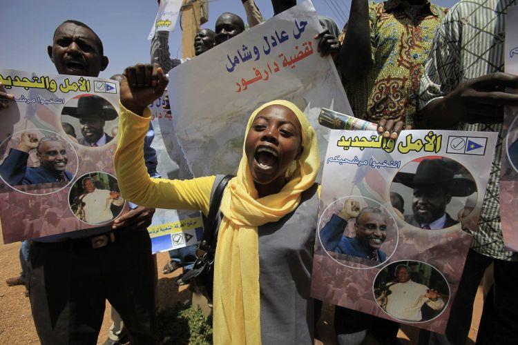 Sudaneses protestam contra data de eleição