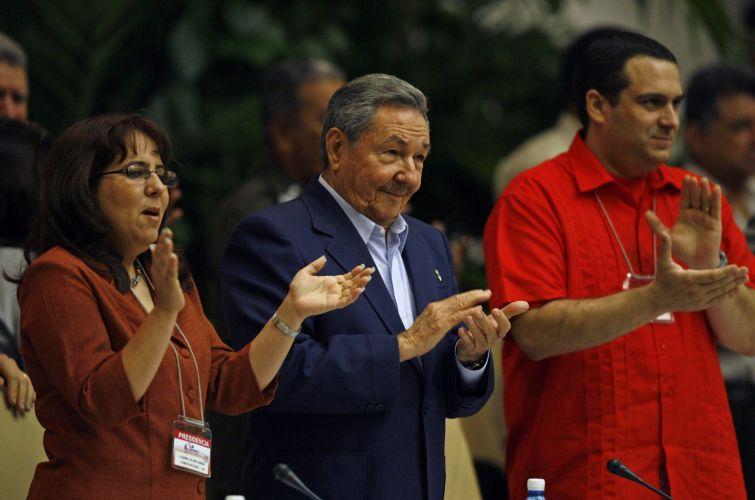Raúl Castro participa de reunião em Cuba