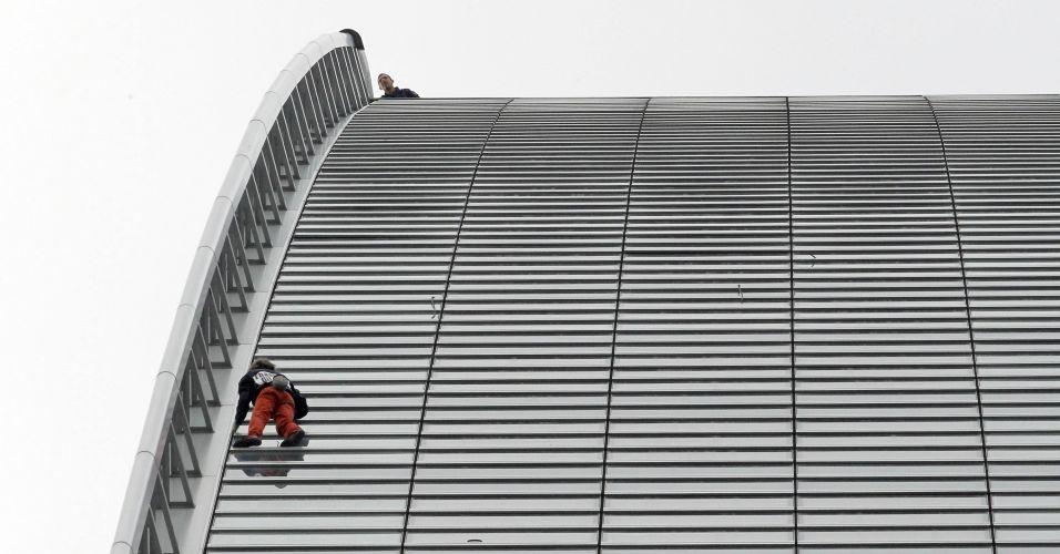 Alpinista francês escala edifício