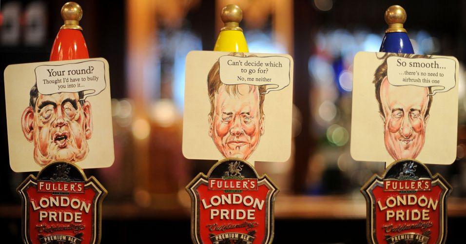 Bombas de cerveja decoradas em Londres