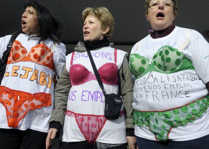 Protesto de lingerie na França