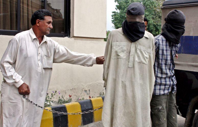 Homens-bomba presos no Paquistão