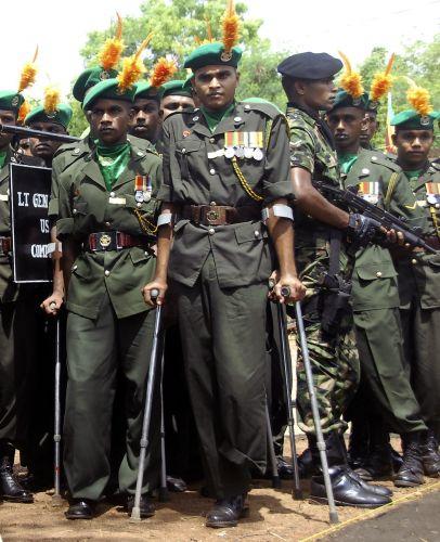 Soldados do Sri Lanka