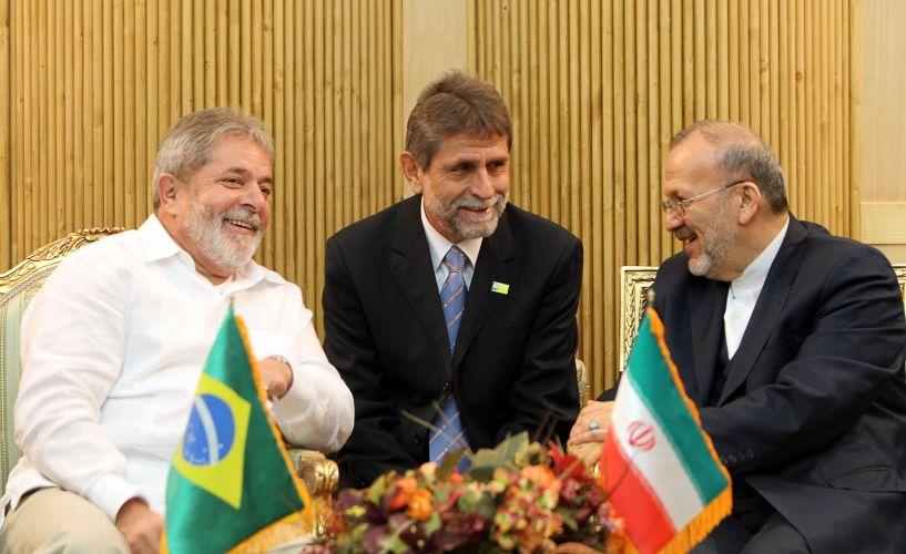 Lula chega ao Irã
