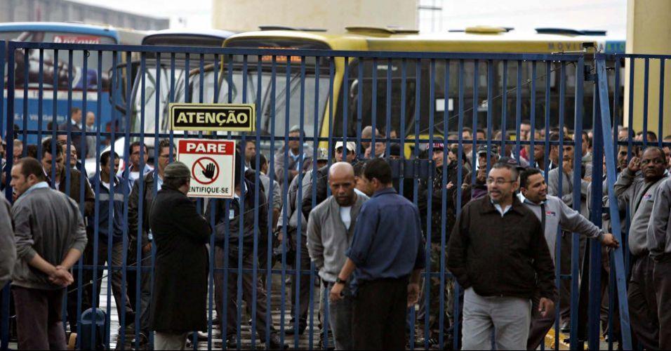 Greve de ônibus na grande SP
