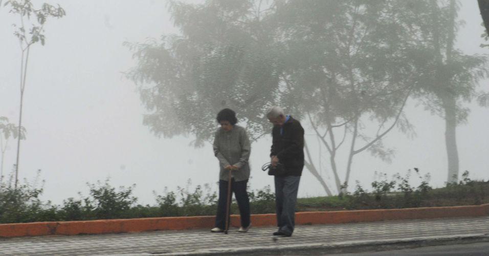 Frio e neblina em São José dos Campos