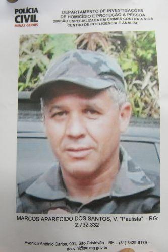 Cartaz exibido pelo delegado da Polícia Civil de Minas Gerais Edson Moreira mostra Marcos Aparecido dos Santos, o