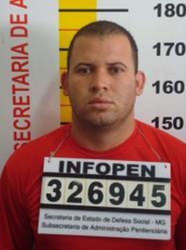 Ficha de identificação de Luiz Romão, conhecido como Macarrão, amigo do ex-goleiro do Flamengo, Bruno Fernandes, na Penitenciária Nelson Hungria em Contagem (MG)