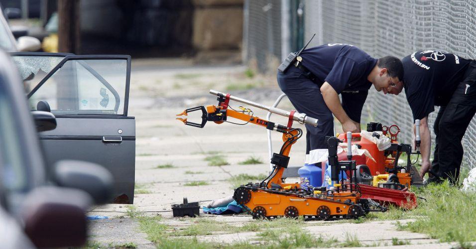 Robô desarma bomba