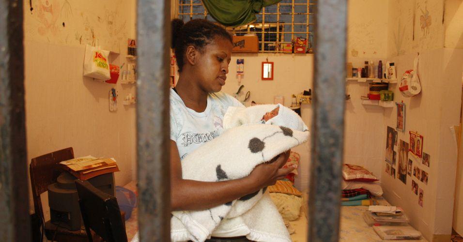 Bebê na prisão