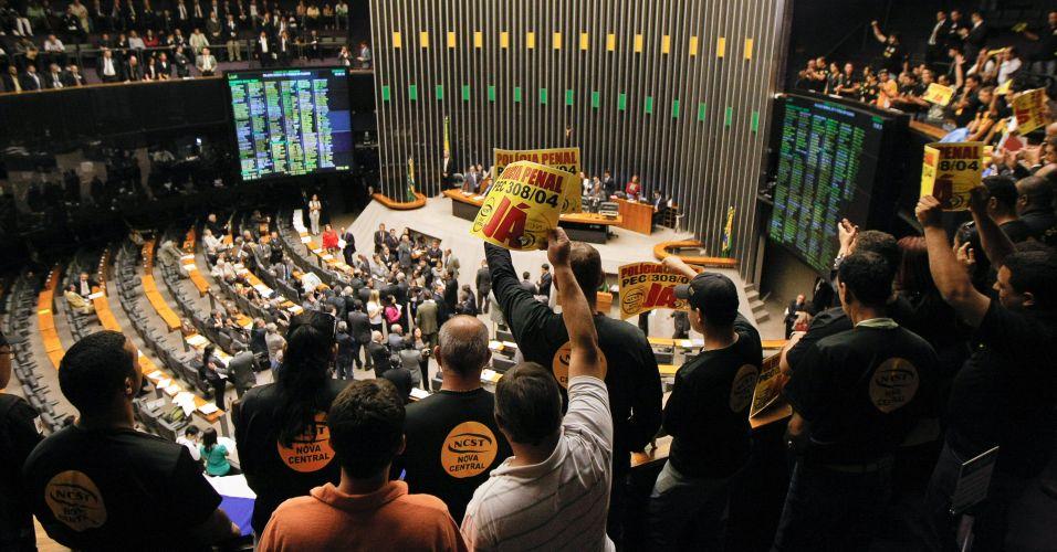 Manifestantes na Câmara