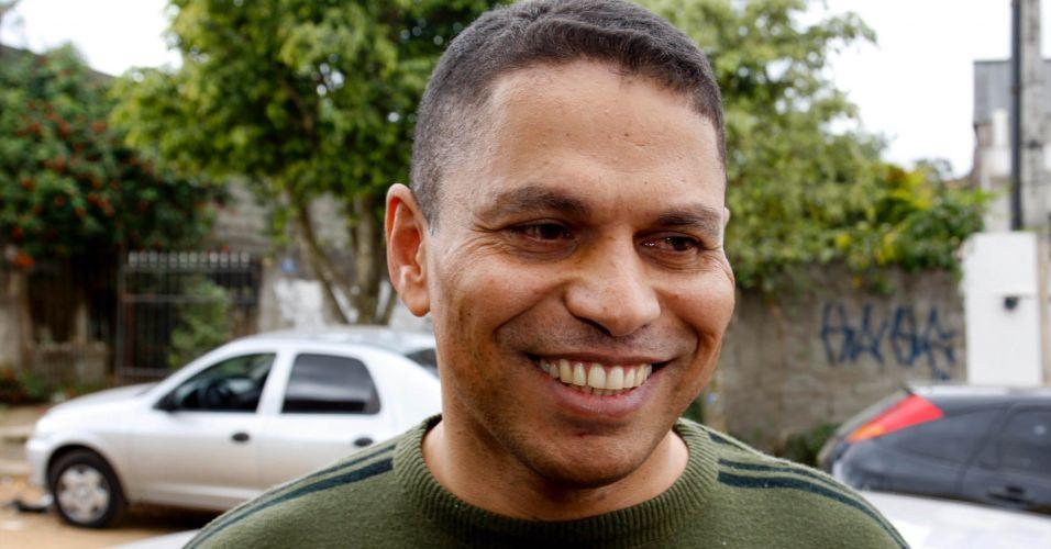 Mizael chega a casa em Guarulhos