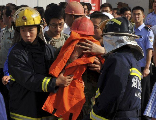 Incêndio em mina de ouro na China