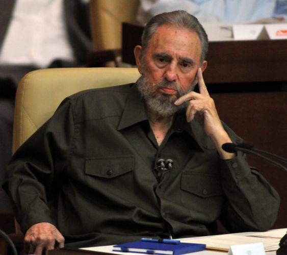 Fidel reaparece depois de 4 anos
