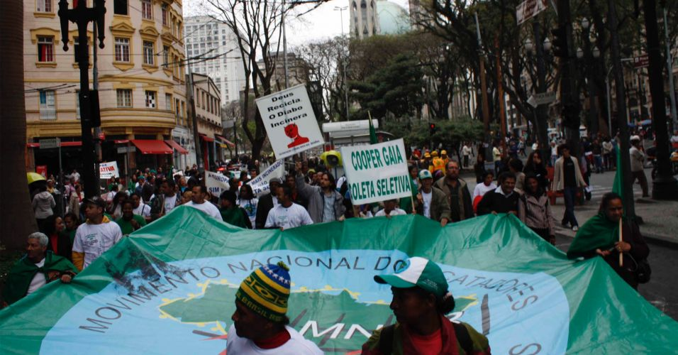 Protesto contra a incineração do lixo