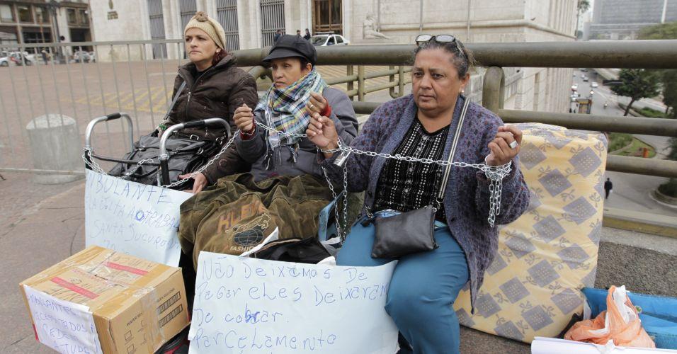 Camelôs protestam em SP