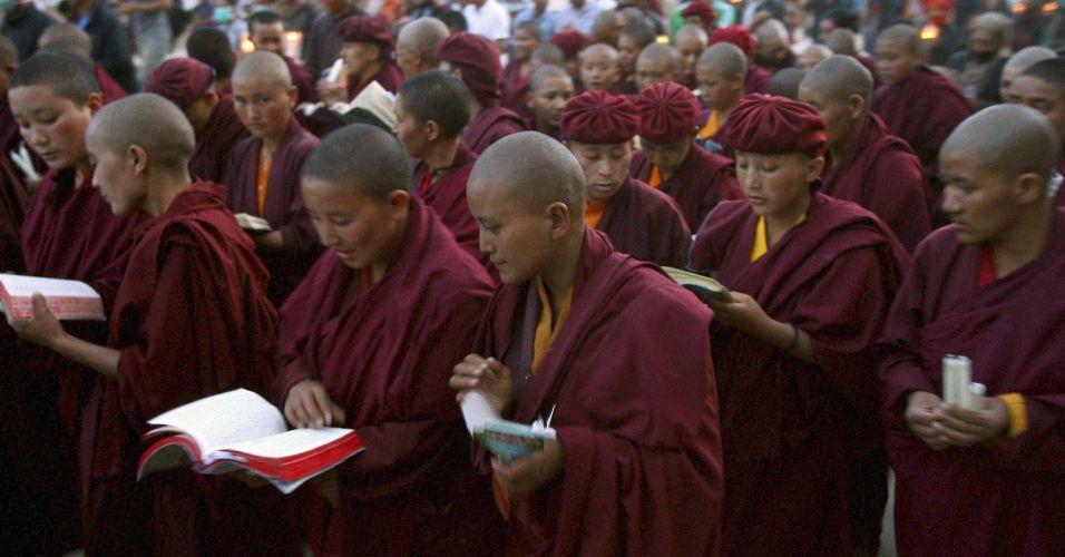 Homenagem budista