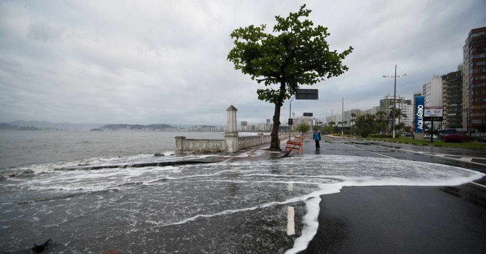 Mar de ressaca em Santos