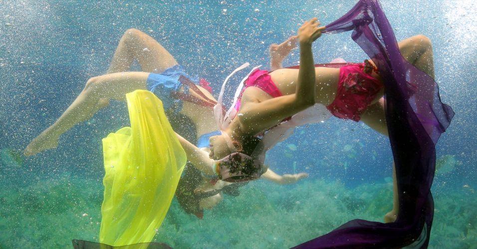Desfile embaixo d'água