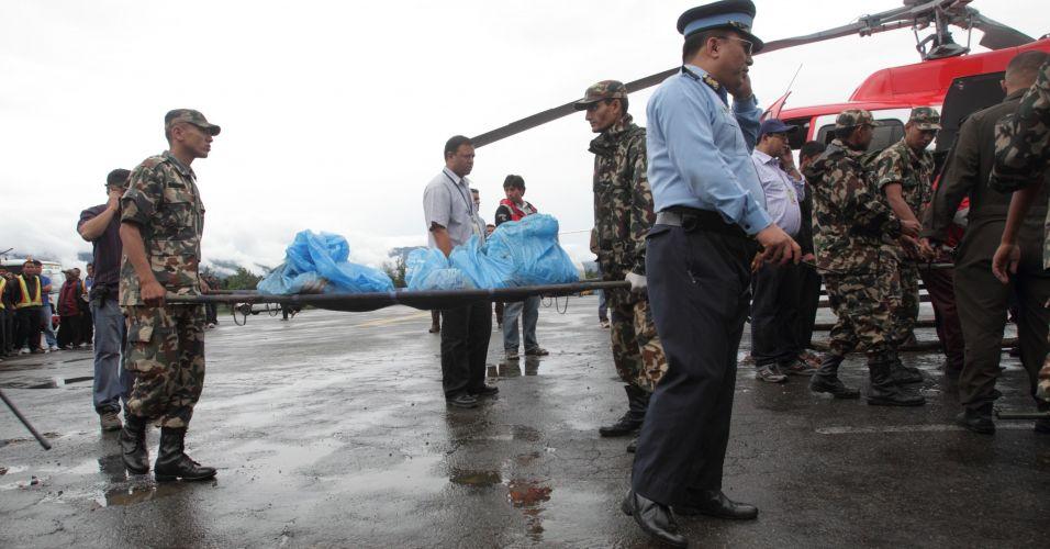 Acidente aéreo no Nepal