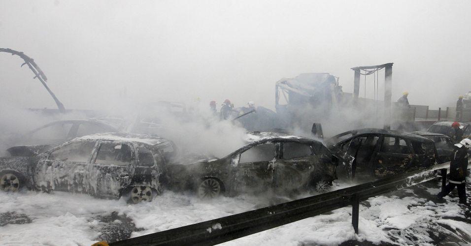 Acidentes entre 46 veículos em Portugal
