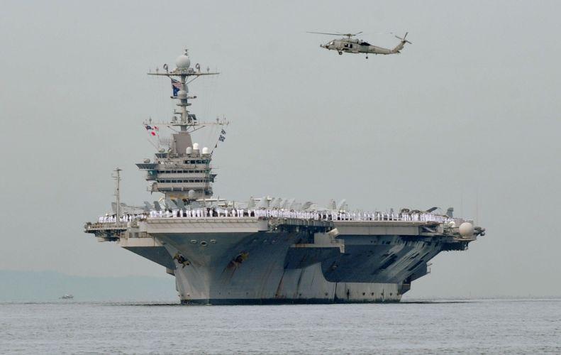 Porta aviões dos EUA chega a Manila