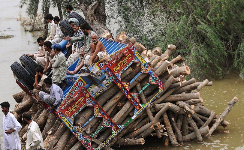 Capotamento no Paquistão