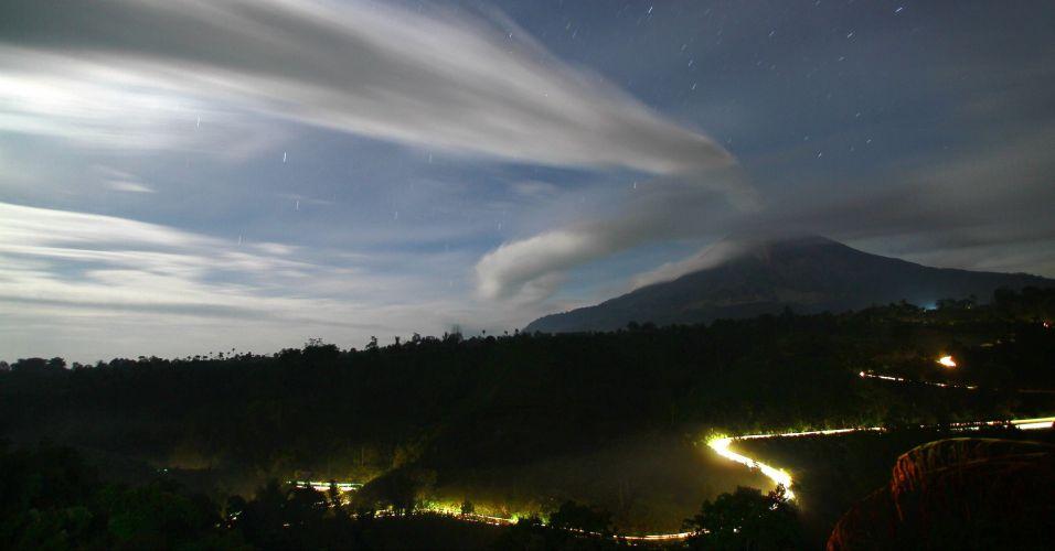 Vulcão monte Sinabung