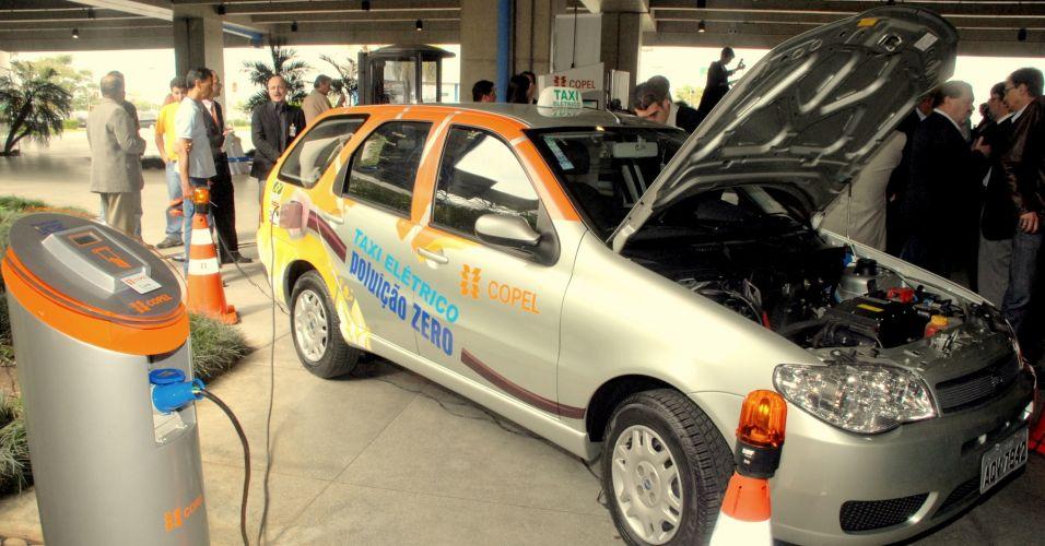 1º táxi elétrico