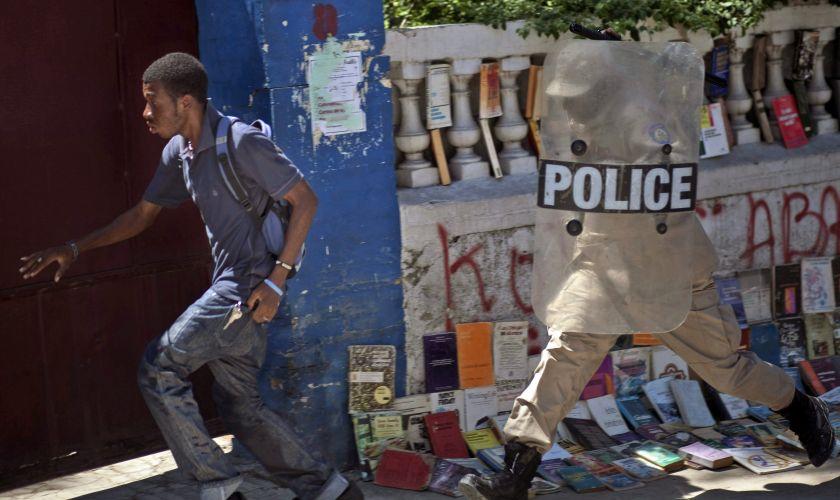 Protesto reprimido no Haiti