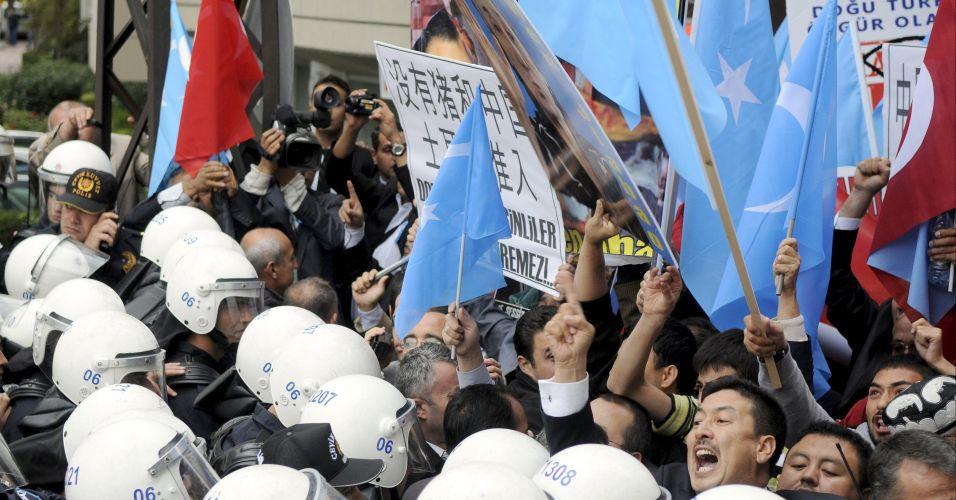 Manifestantes uigures protestam na Turquia
