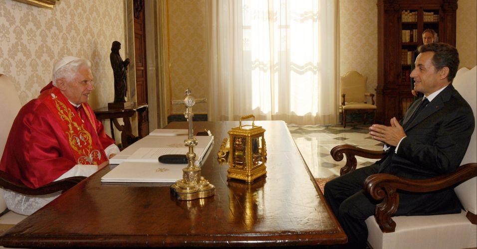 Bento 16 encontra Nicolas Sarkozy