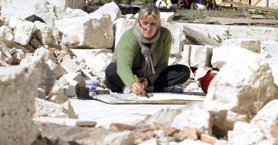 Desenho em praça italiana destruída