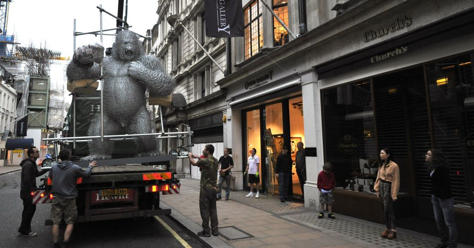 Gorila de 3 metros em Londres