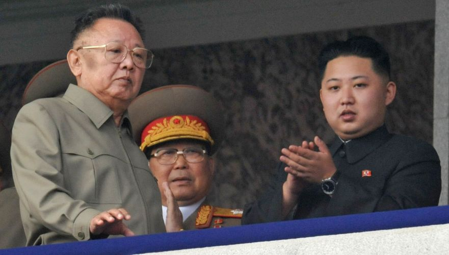 Pai e filho na Coreia do Norte