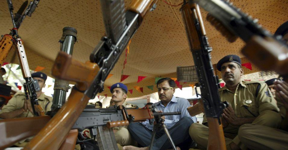 Celebração às armas na Índia