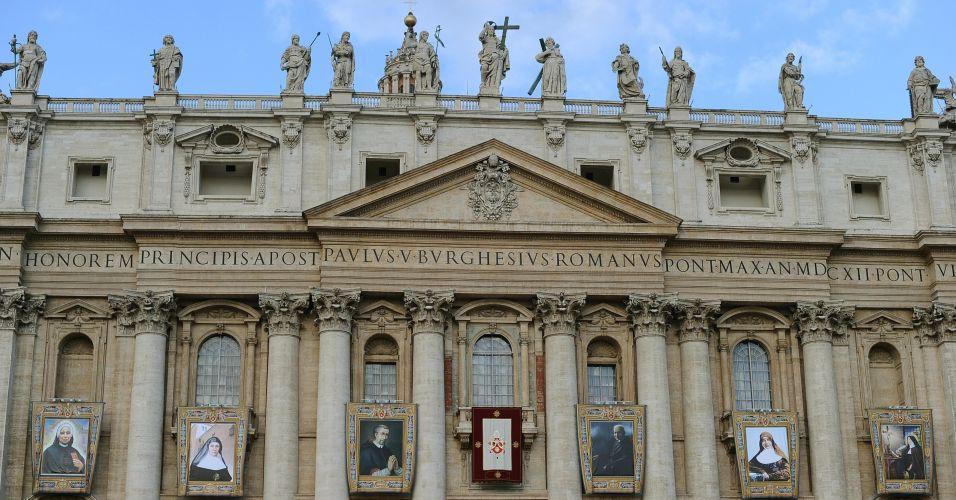 Canonização em massa no Vaticano