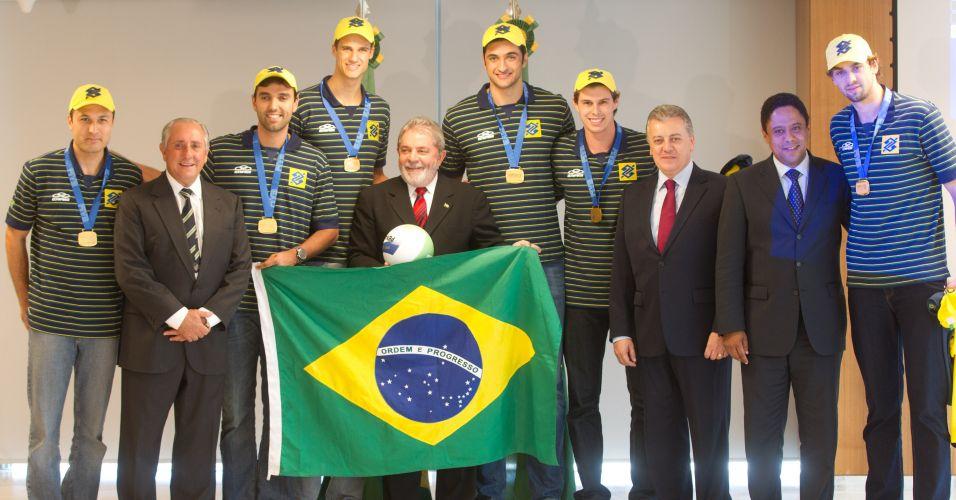 Lula e os meninos do vôlei