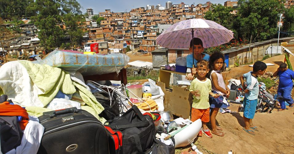 Posse em favela