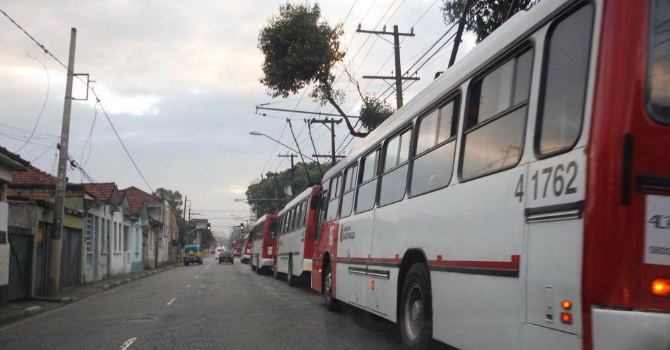 Trólebus sem energia em São Paulo