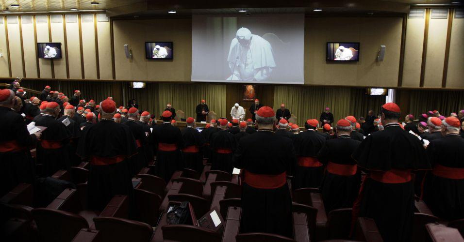 Papa Bento 16 e cardeais
