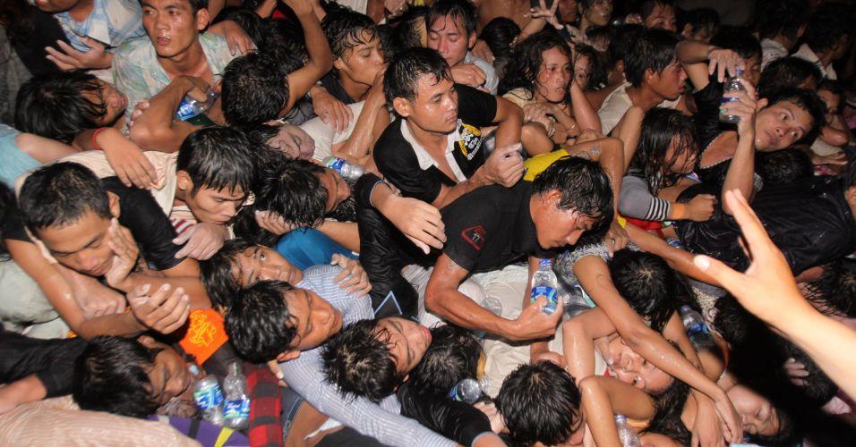 Tumulto no Camboja