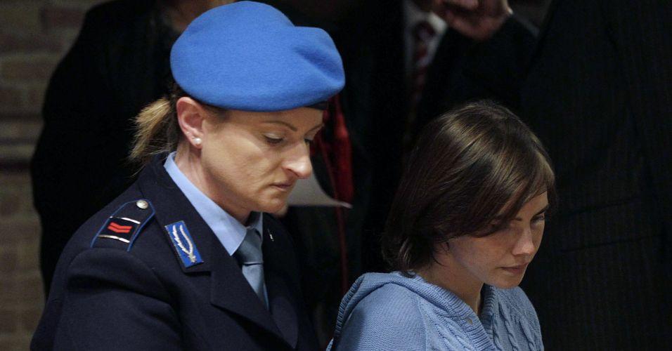 Americana acusada de assassinato participa de audiência na Itália
