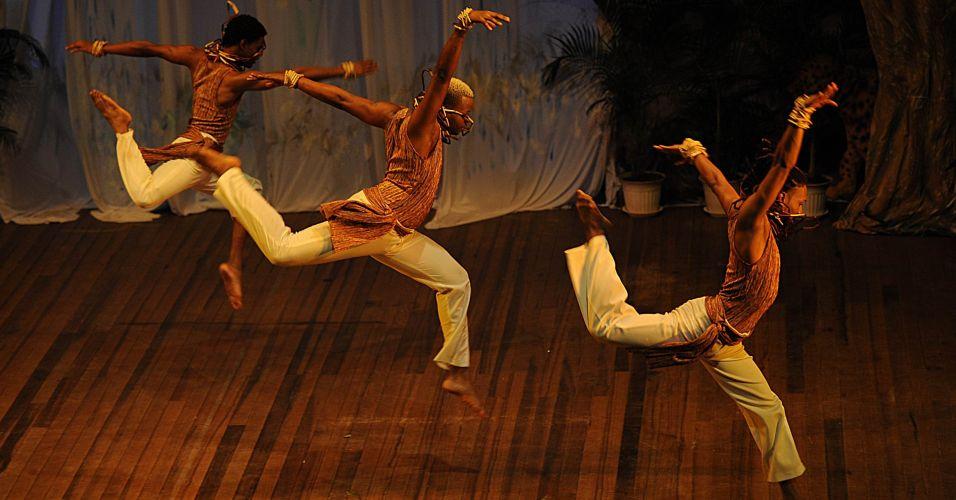 Apresentação de dança na Guiana