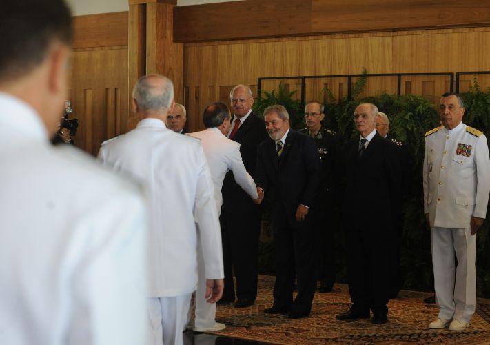 Lula recebe novos oficiais-generais
