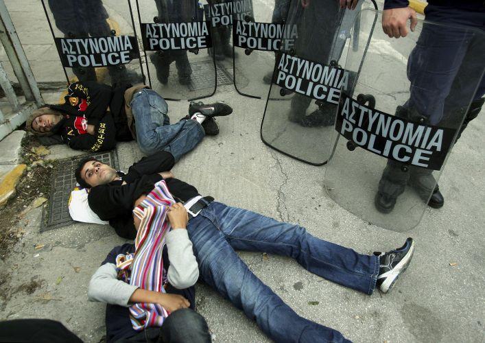 Refugiados protestam na Grécia