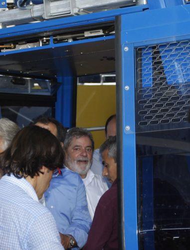 Lula no teleférico do Complexo do Alemão